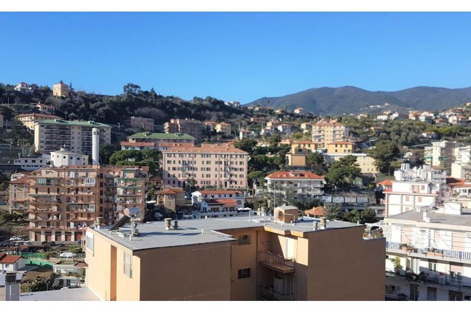 Sanremo vendita via Dante appartamento con vista mare