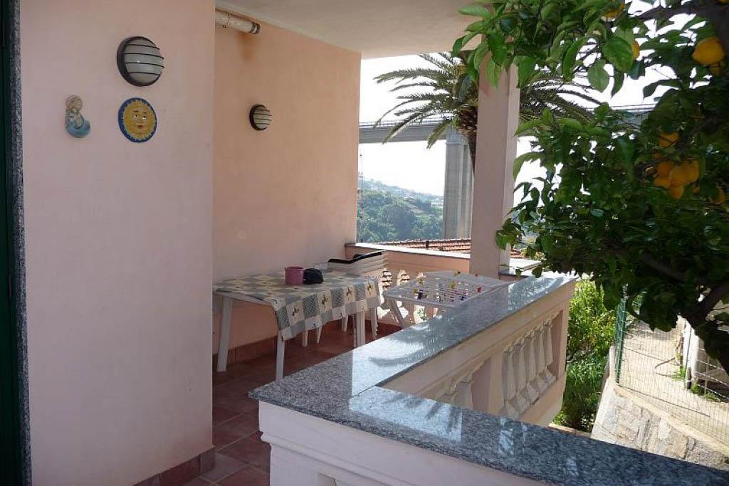 Sanremo vendita villa bifamiliare su 3 livelli