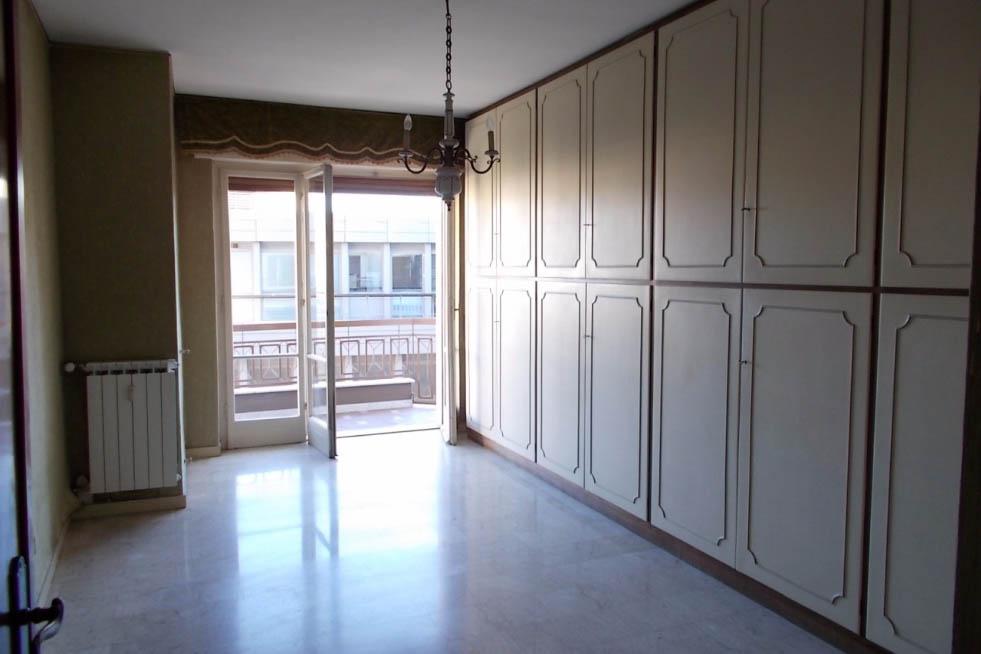 Sanremo vendita appartamento zona mercato