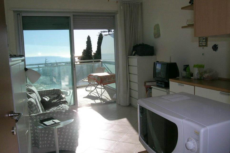 Sanremo: vendita appartamento con vista mare panoramica