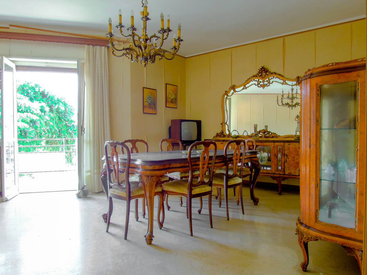 Sanremo vendita appartamento con vista mare