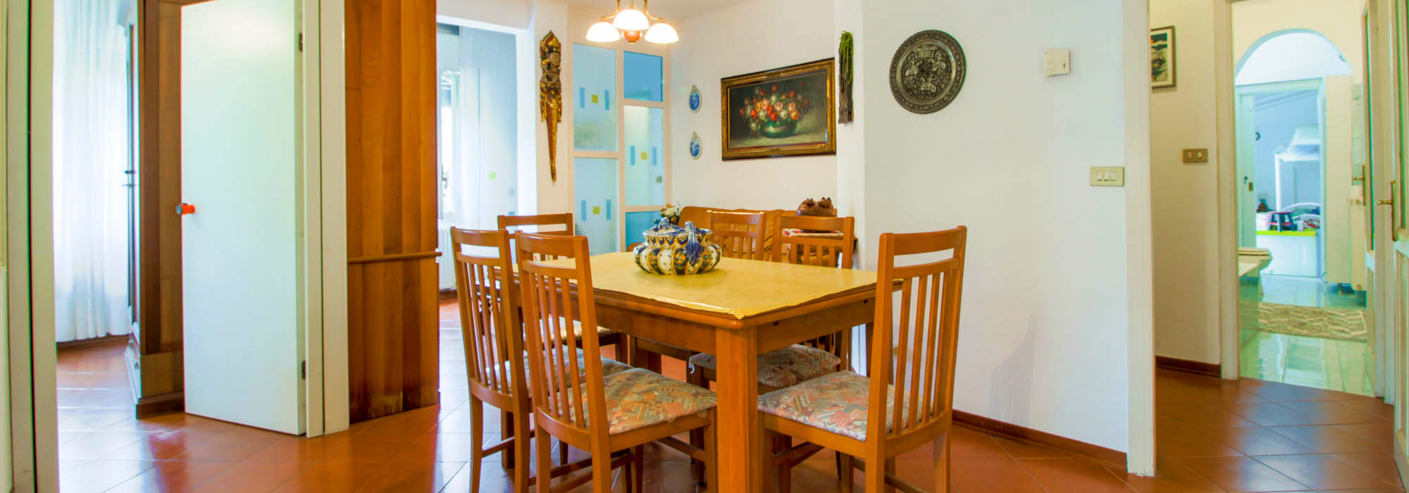 Sanremo vendita appartamento in casa indipendente con grande garage