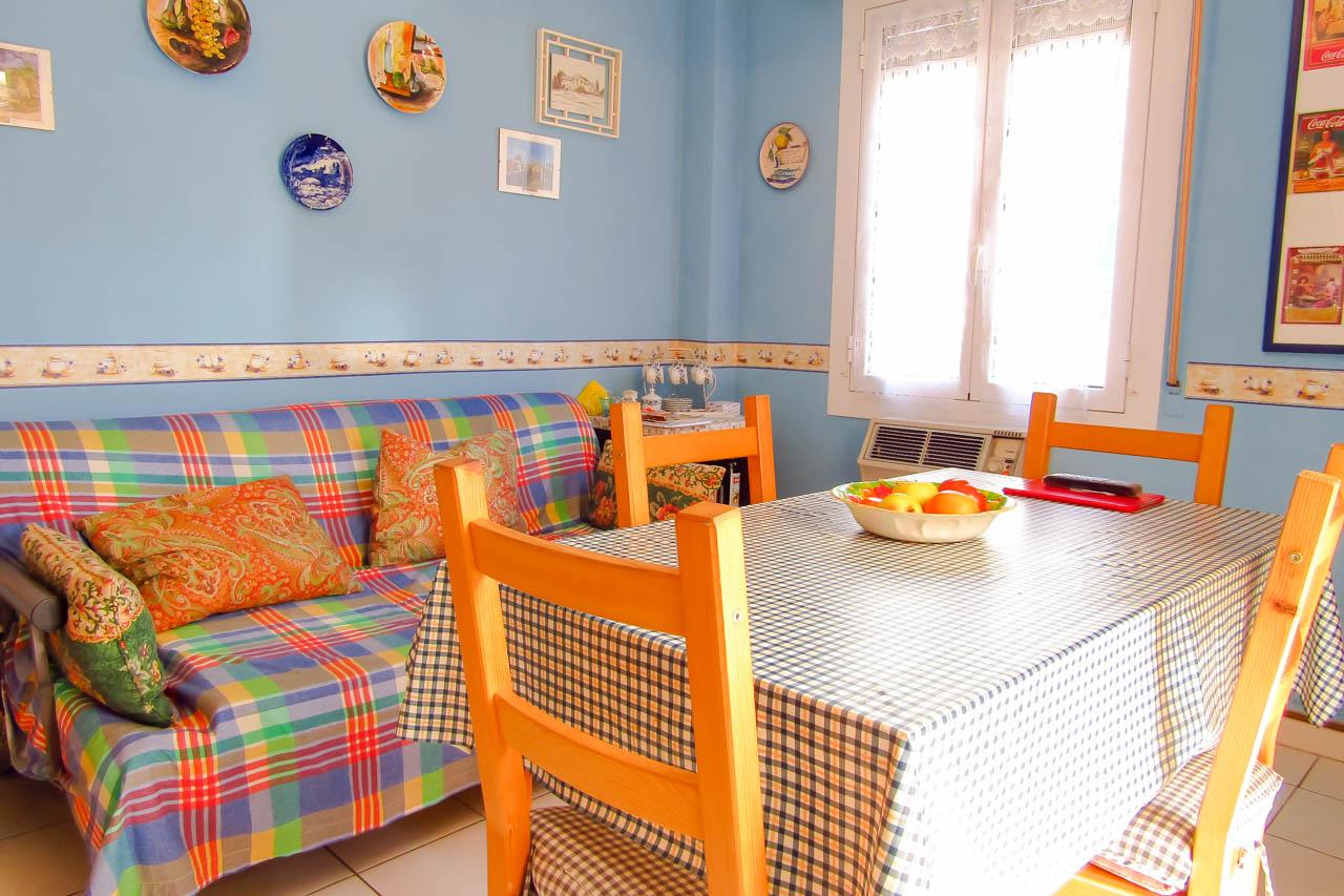 Sanremo vendita appartamento con grande terrazza e posto auto