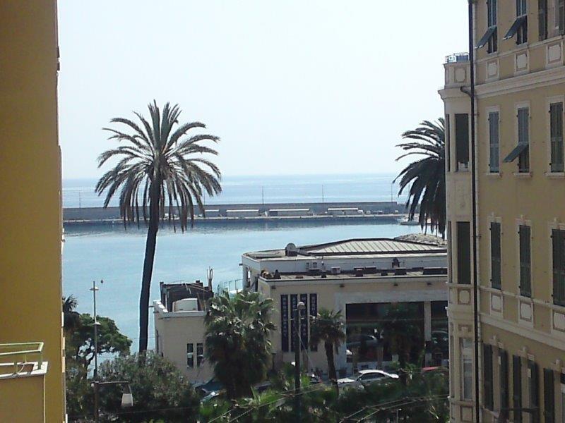 Sanremo centralissimo vendita trilocale a due passi dal mare