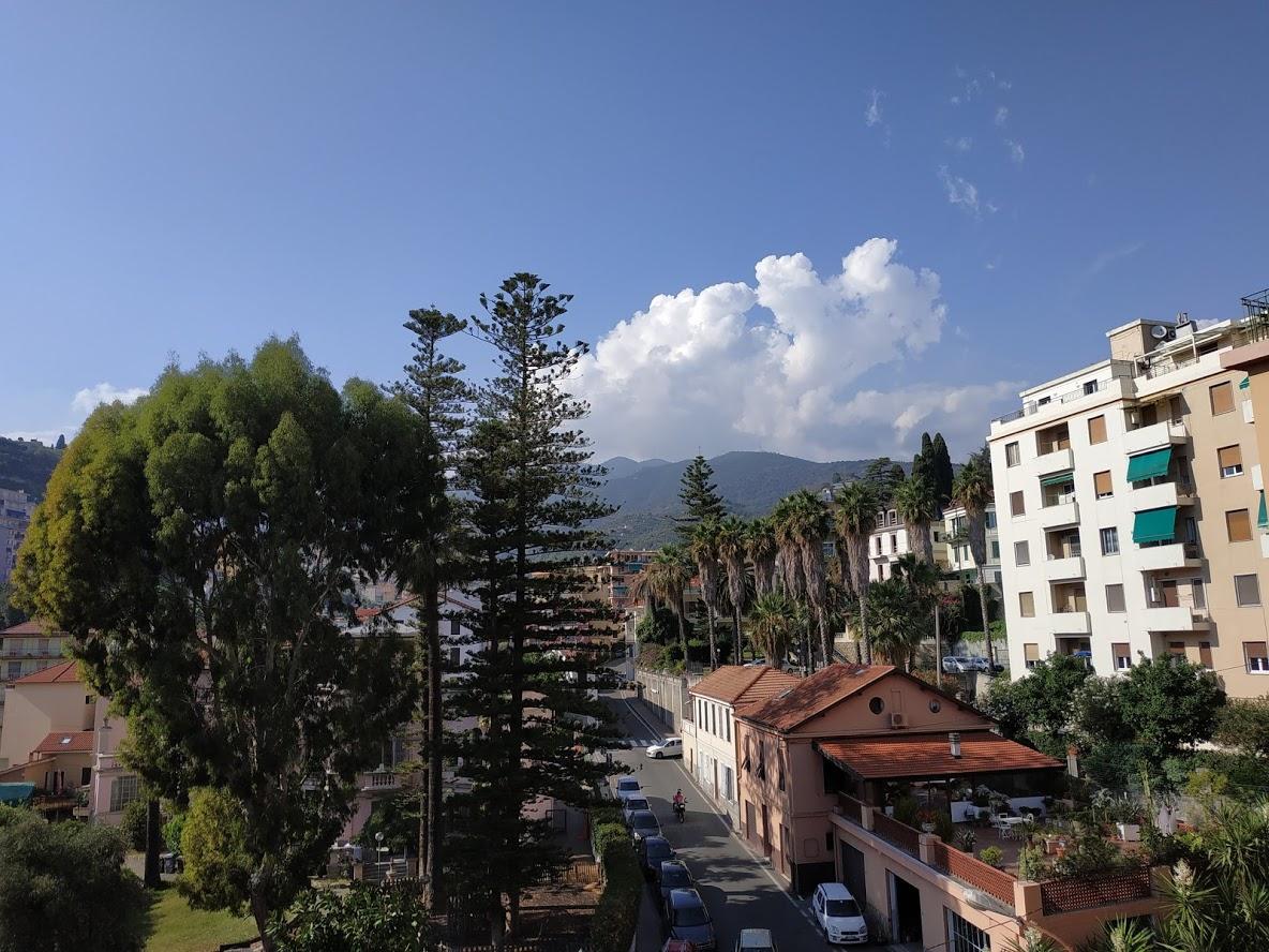 Sanremo, a 5 minuti a piedi da Piazza Colombo, ampio bilocale