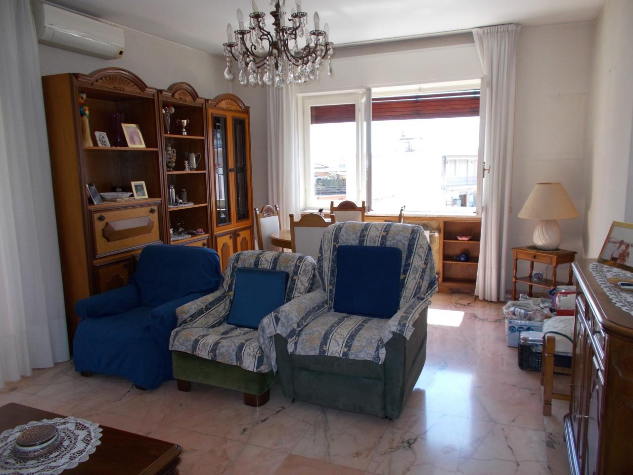 Sanremo, San Martino, trilocale con cantina
