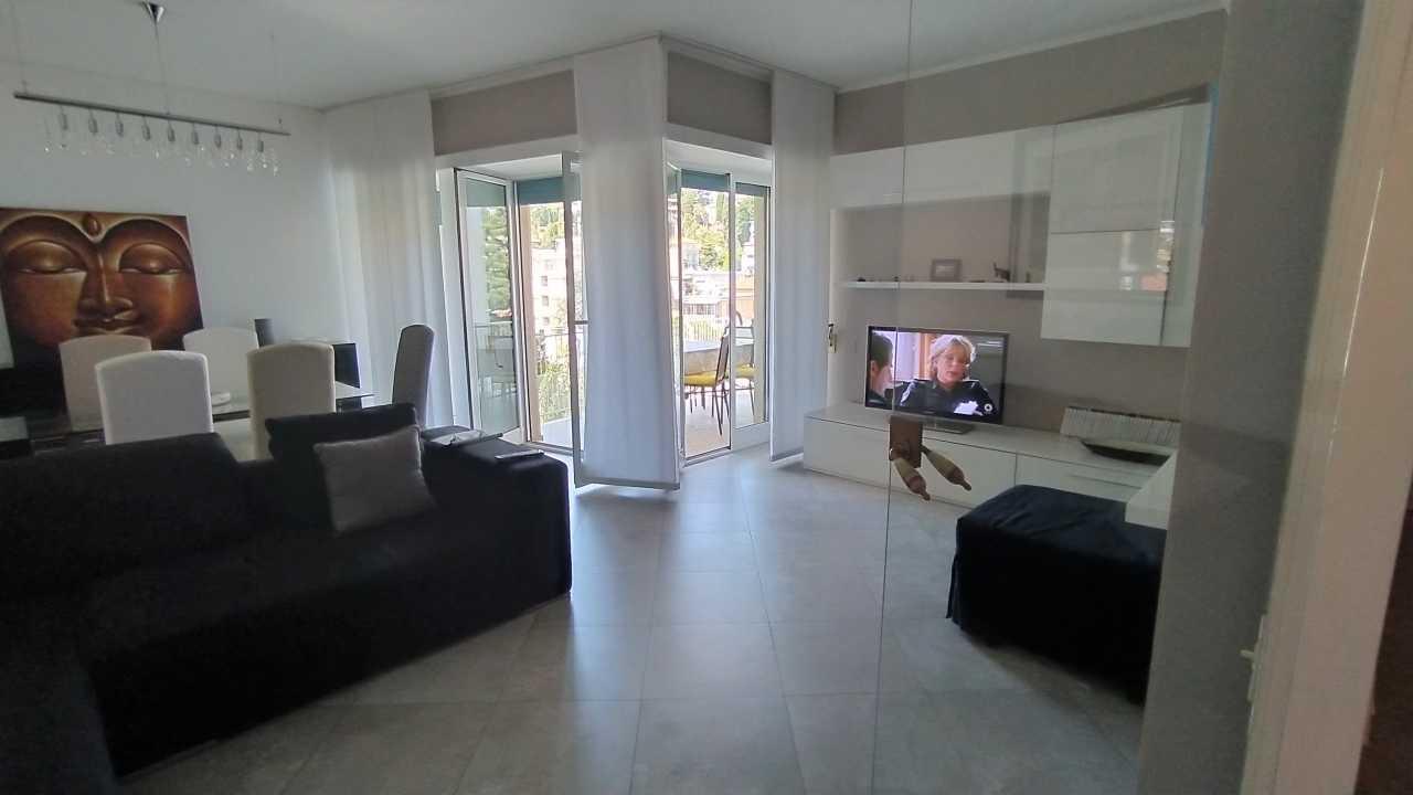 Sanremo, trilocale centro foce, ristrutturato con terrazza e cantina